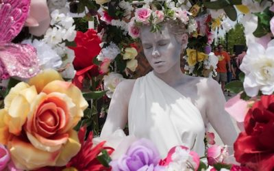 The Living Rose Statue Returns to the Rose Festival